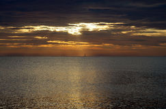 Roter Sonnenaufgang in Italien Lizenzfreie Stockbilder