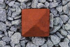 Roter Spaltenbeton und -stein Stockbild
