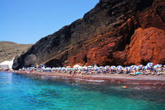 Roter Strand von Santorini Stockfoto