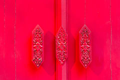 Roter Türgriff lizenzfreie stockbilder