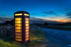 Roter Telefon-Kasten Stockfotografie