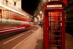 Roter Telefon-Stand Lizenzfreie Stockbilder