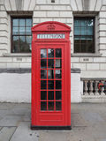 Roter Telefonkasten in London Lizenzfreie Stockfotografie