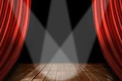 Roter Theater-Stufe-Hintergrund mit 3 Scheinwerfer-CEN Stockfoto