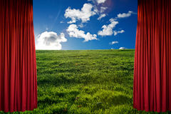 Roter Trennvorhang Lizenzfreie Stockfotos