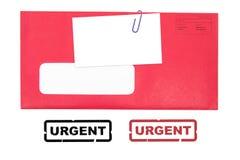 Roter Umschlag und unbelegte Visitenkarte Lizenzfreie Stockbilder