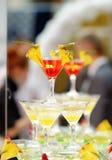 Roter und gelber Cocktailturm (Cocktailparty) Lizenzfreie Stockfotografie