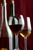 Roter und weißer Wein Stockfoto
