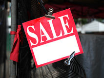 Roter Verkaufs-Aufkleber Stockfoto