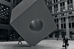Roter Würfel in Manhattan New York City Lizenzfreies Stockbild