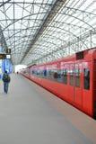 Roter Zug Aeroexpress Lizenzfreie Stockfotos