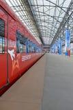 Roter Zug Aeroexpress Lizenzfreie Stockfotografie
