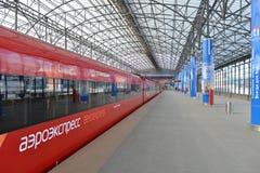 Roter Zug Aeroexpress Stockbild