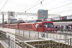 Roter Zug Aeroexpress -- ist der Betreiber von Luft-Bahnnetzservicen in Moskau, Russland Stockbild