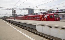 Roter Zug Aeroexpress -- ist der Betreiber von Luft-Bahnnetzservicen in Moskau, Russland Stockbilder