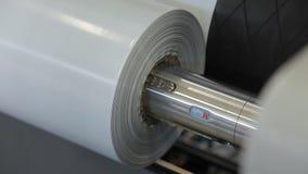 Roterande axlar på en fabrik stock video