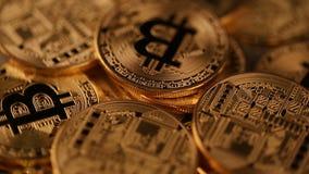 Roterande faktisk valuta myntar bitcoin stock video
