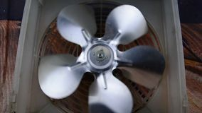 Roterande fan för kylskåp - kylsystem lager videofilmer