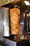 Roterande lagad mat kebab för turkhönadoner Fotografering för Bildbyråer
