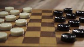 Roterande schackbräde med schack stock video