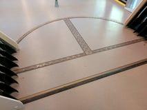 Roterend platform in metroauto stock foto's