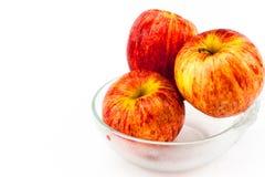Rotes Apple in der Schüssel Stockfotografie