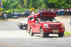 Rotes Auto in Chiang Mai Stockbild