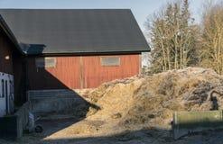 Rotes Bauernhaus Stockbilder