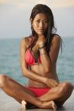 Rotes Bikini-Strand-Baumuster stockbilder
