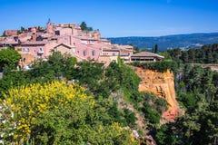 Rotes Dorf von Provence, Roussillon Lizenzfreies Stockbild