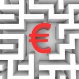 Rotes Eurozeichen in das Labyrinth. Stockfotografie