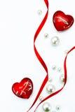 Rotes Farbband und Liebe der Kunst-Valentinsgruß-Tageskarte lizenzfreie stockfotografie