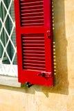 Rotes Fenster varano borghi Palast-Zeltgitter Stockbilder