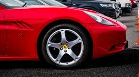 Rotes Ferrari Kalifornien stockbild