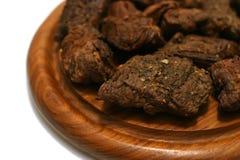 Rotes Fleisch auf Platte Stockfoto