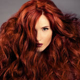Rotes Haar. Art- und Weisemädchen-Portrait Lizenzfreies Stockfoto