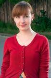 Rotes Hauptfrauenportrait lizenzfreie stockbilder