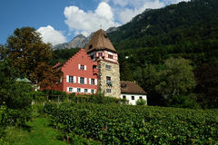 Rotes Haus,瓦杜兹,列支敦士登 图库摄影