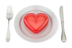 Rotes Herz auf einer Platte mit Gabel und Messer Roter heart-shaped Schmucksachegeschenkkasten und eine rote Spule auf einem Zeic Stockbild
