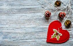 Rotes Herz für Valentinsgrüße oder Weihnachten Stockbild