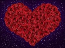 Rotes Herz von den Rosen lizenzfreies stockfoto