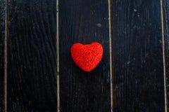 Rotes Inneres auf einem schwarzen Hintergrund stockfotos