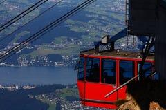 Rotes Kabelbahnauto Lizenzfreies Stockfoto