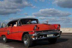 Rotes klassisches altes amerikanisches Auto Stockfotos