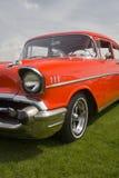 Rotes klassisches amerikanisches Auto Lizenzfreie Stockfotografie