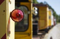 Rotes Licht auf Zug stockfotos