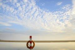 Rotes lifebuoy Stockbilder