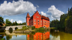 Rotes Markstein-Panorama Schloss Cervena Lhota Stockbilder