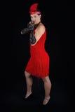 Rotes Meisterstück der gefährlichen schönen Artkleidung des Brunette im Jahre 1920 Kleider Lizenzfreies Stockbild
