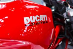 Rotes Motorrad Ducati-Monster Lizenzfreies Stockbild